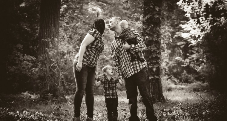 Down in the Gulley - Fall family Photography Session in Blenheim Ontario