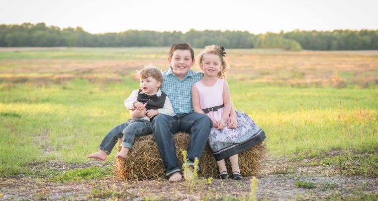 Just the Kids Family Photography Session | Tanya Sinnett Chatham Ontario Photographer