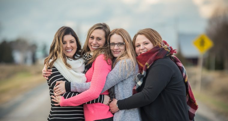 Lauren and her Squad | Tanya Sinnett Chatham-Kent Photography