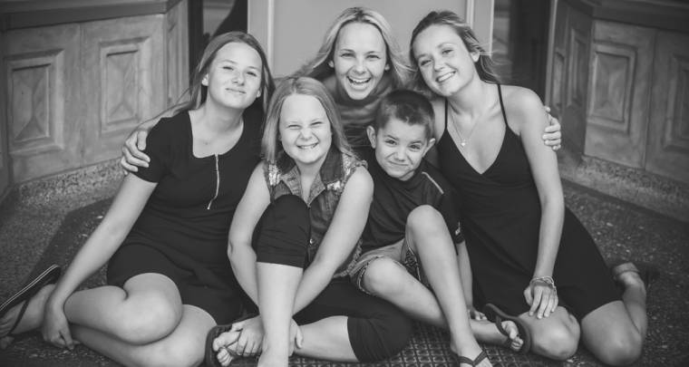 Downtown Chatham Family Session | Tanya Sinnett Chatham-Kent Photographer